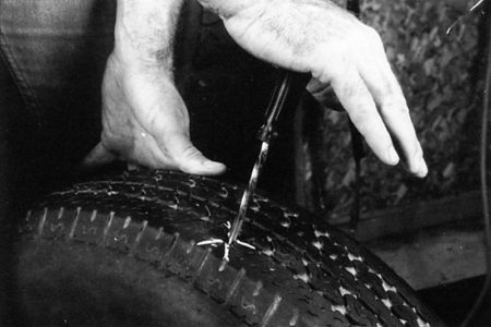 Ремонт бескамерных покрышек с помощью жгутов РМ6 Tech Шнуры для ремонта шин Шиноремонтный инструмент Шиноремонтные материалы Шиномонтажник Шиномонтаж Технология ремонта Публикации Ножи для шиномонтажа Мел для шиномонтажа Клей Иглы для затяжки шнуров Жидкость контроля утечек Вулканизационная жидкость Tech   Ремонт бескамерных покрышек с помощью жгутов РМ6 Tech Шнуры для ремонта шин Шиноремонтный инструмент Шиноремонтные материалы Шиномонтажник Шиномонтаж Технология ремонта Публикации Ножи для шиномонтажа Мел для шиномонтажа Клей Иглы для затяжки шнуров Жидкость контроля утечек Вулканизационная жидкость Tech   Ремонт бескамерных покрышек с помощью жгутов РМ6 Tech Шнуры для ремонта шин Шиноремонтный инструмент Шиноремонтные материалы Шиномонтажник Шиномонтаж Технология ремонта Публикации Ножи для шиномонтажа Мел для шиномонтажа Клей Иглы для затяжки шнуров Жидкость контроля утечек Вулканизационная жидкость Tech