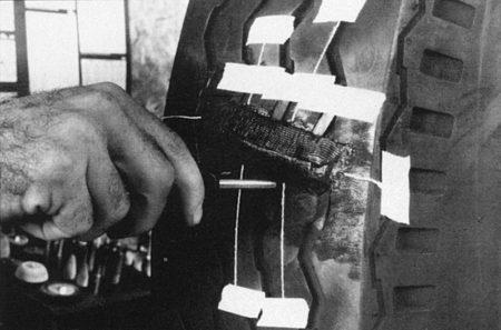 Ремонт диагональных грузовых покрышек диагональными пластырями РМ7 Tech Шлифовальные шарики Шиноремонтный инструмент Шиноремонтные материалы Шиномонтажник Шиномонтаж Шероховальные машинки Технология ремонта Тальк шиномонтажный Сырая резина Ролики закаточные Публикации Пластыри кордовые Очиститель Ножи для шиномонтажа Мел для шиномонтажа Машинка для нарезки протектора Клей Вулканизационная жидкость Вулканизатор Восстановитель бескамерного слоя Tech