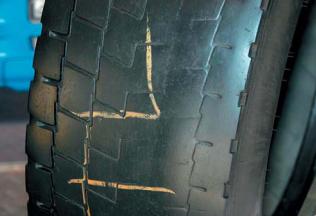 Неравномерный износ шин: причины, виды, устранение Шиноремонтный инструмент Шиноремонтные материалы Шиномонтажник Шиномонтаж Технология ремонта Публикации   Неравномерный износ шин: причины, виды, устранение Шиноремонтный инструмент Шиноремонтные материалы Шиномонтажник Шиномонтаж Технология ремонта Публикации