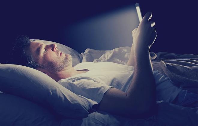 Спать со смартфоном запрещено Смартфон Новости Мир Интересное Здоровье