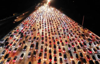 Самая большая пробка в Китае Автомобиль Автолюбитель